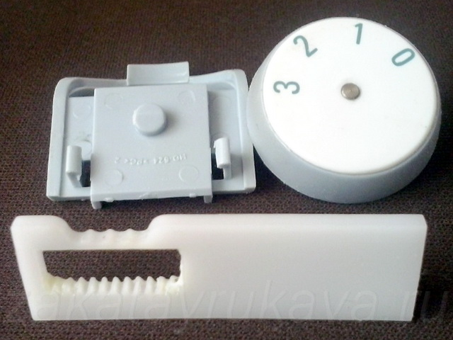 Механизм типа шестерня-рейка органов управления фена Rowenta CV 4030.