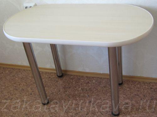 Вариант кухонного стола с овальной столешницей.