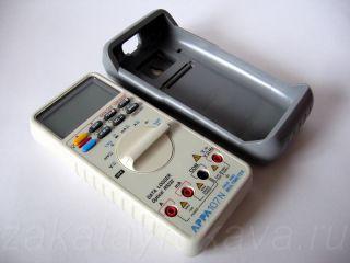 Цифровой мультиметр APPA 107N со снятым чехлом.