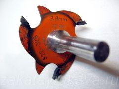 Кромочная фреза CMT с высотой зуба 2,8 мм. Держатель Freud.