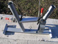 Рама велотренажера Energetics CT 80 Magnetic. Фиксация нового стального профиля.