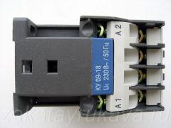 Контактор ИЕК КМИ-11210. Вид сбоку.